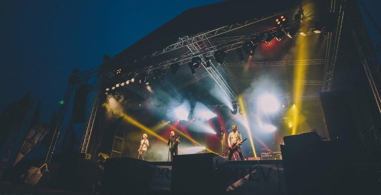Tunes in the Dunes Festival Status Quo Audio Production